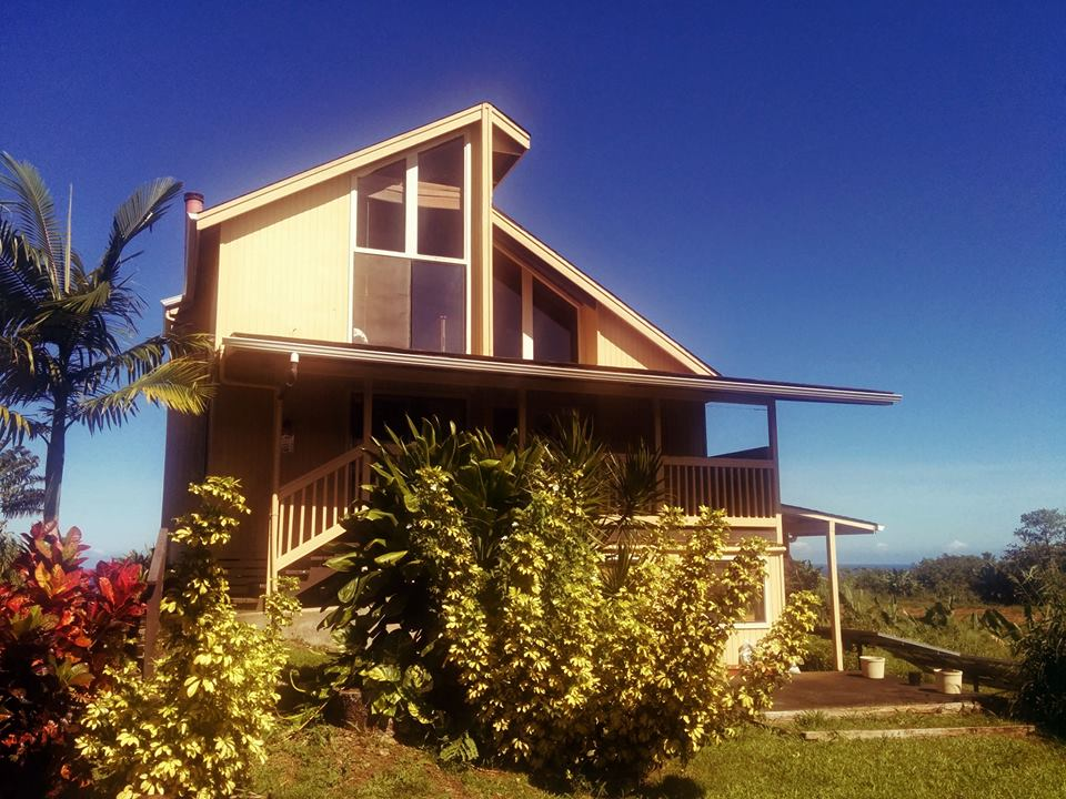 Hamakua House - Big Island Hostel